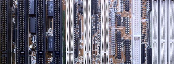 fusaroli.it-sfondo-motherboard
